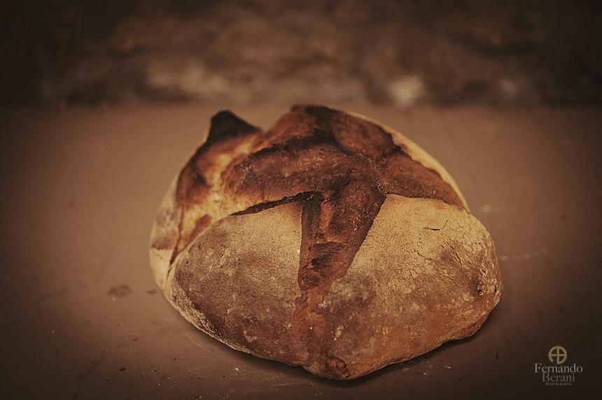 Reportaje fotográfico de la tradición de hornear pan en casa